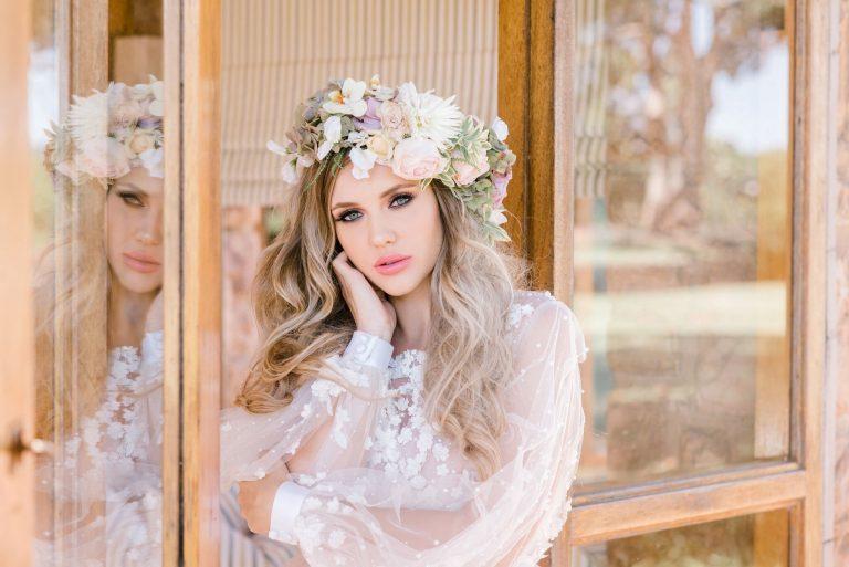 soft-curls-pastel-bridal-makeup