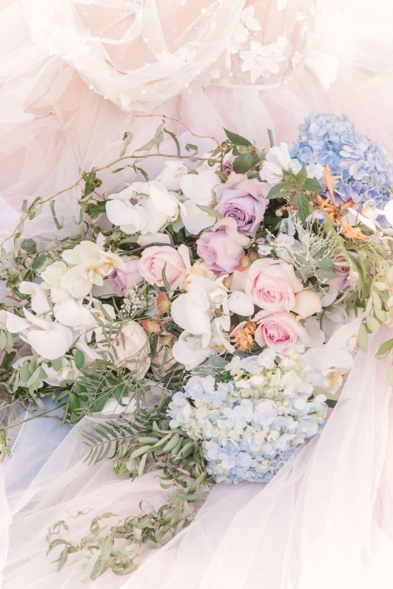 pastel-bouquet-bridal-florals
