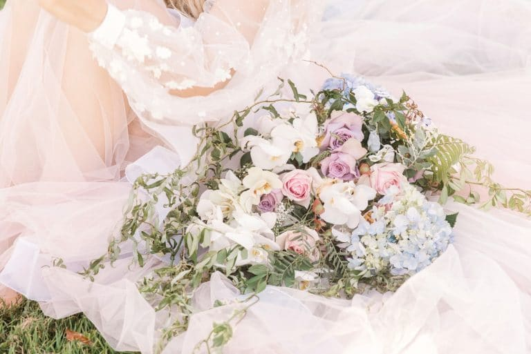 romantic-spring-inspired-styled-shoot-bouquet