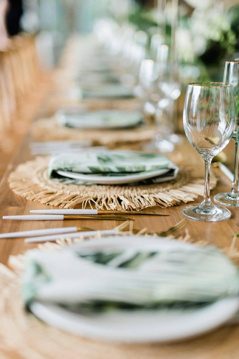 tropical-leaf-print-napkins