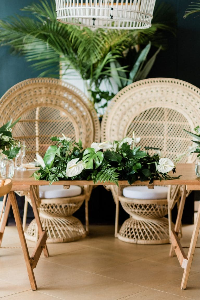 wicker-peacock-chairs-sweetheart-table