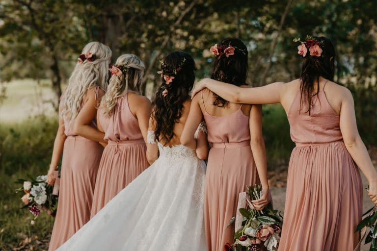 bridesmaids-with-flowers-in-hair