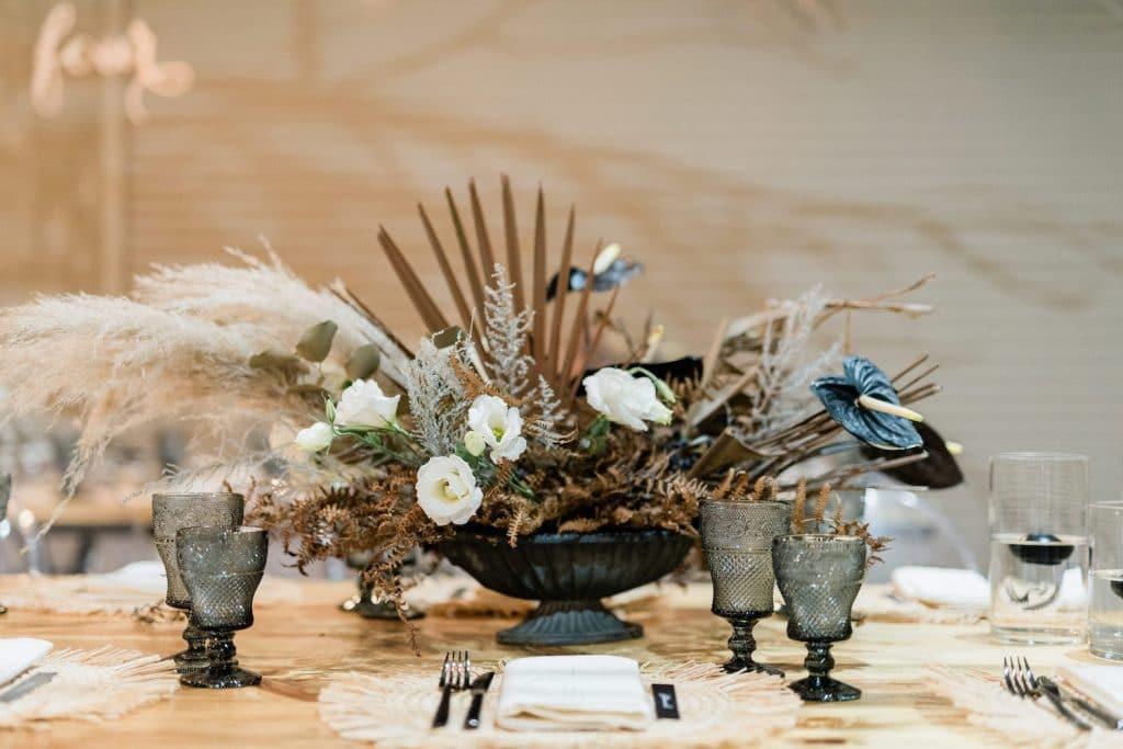 modern tropical neutrals wedding décor