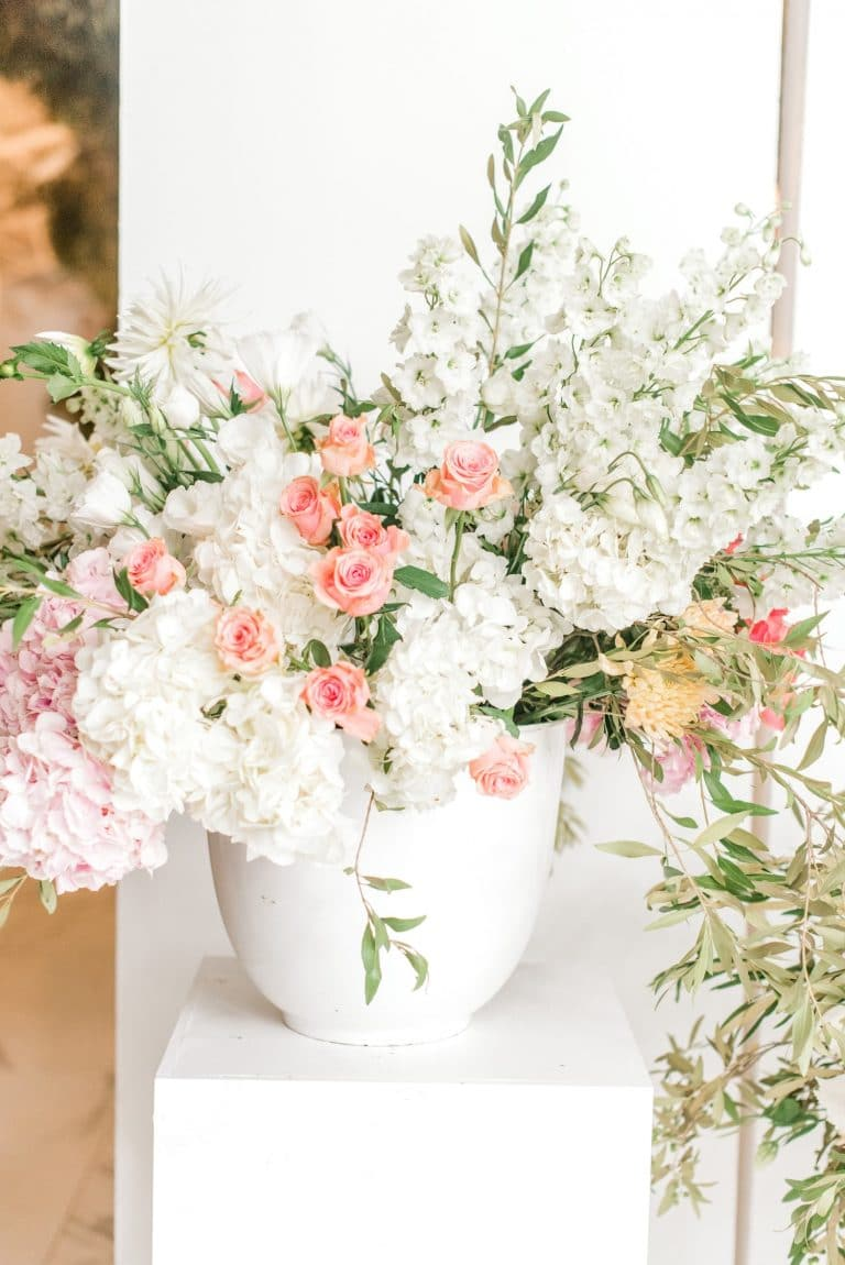 coral and white wedding flowers